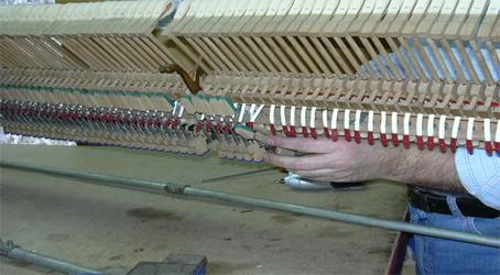 afinar-afinacao-pianos-reparacao.jpg